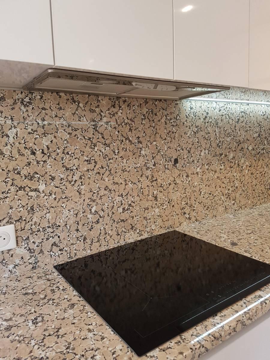 Plan Travail Granit Portugal modernisation d'une cuisine sur nice réalisée en granit